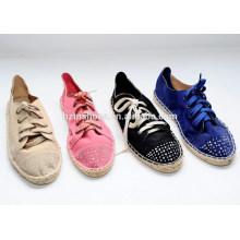 Lace-Up mit Diamant-Stil und TPR Outsole Material Mode Qualität Leinwand Kausale Schuhe