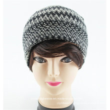 Striped Custom Beanie Cap Women′s Knit Cap