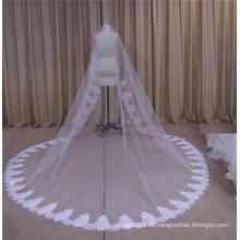 Largo velo de novia con encaje