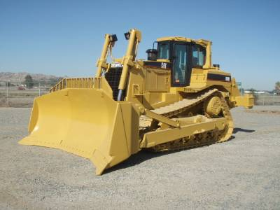 Cat D8R crawler bulldozer