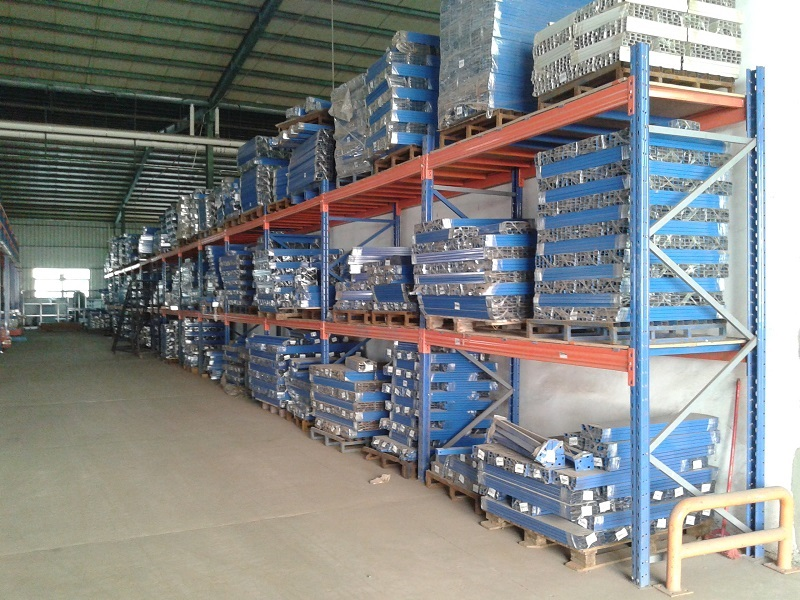 Pallet Racking in A Long Run