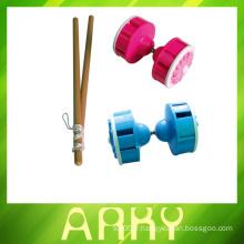 Jouets de diabolo de jonglerie chinois avec un jouet en plastique bourdonnant