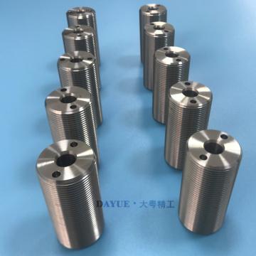 Pièces filetées de tournage CNC en acier inoxydable