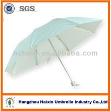 Parapluie de gros bon marché bleu avec revêtement argenté