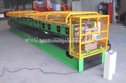 Hoge snelheid Square Downpipe Roll Forming Machine