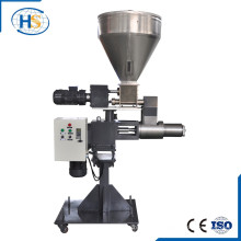 Alimentador lateral de fuerza para máquina extrusora