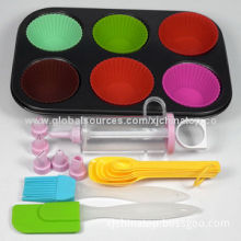 Cupcake and Muffin Decorating Kit