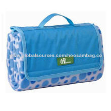 Water-resistant Foldable Beach Mat, Easy to Carry with Handle, Customized Sizes WelcomedNew
