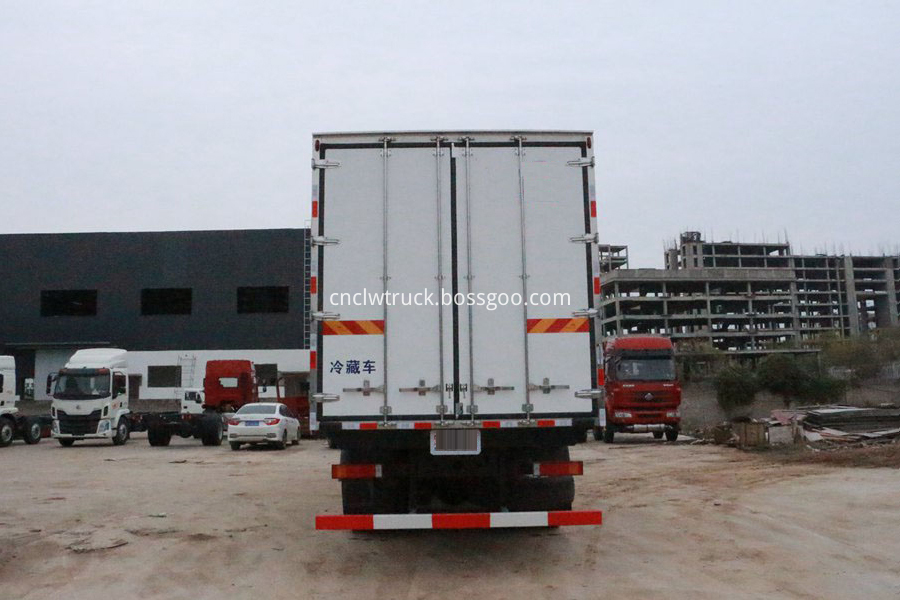 refrigerator van truck for meat and fish 3