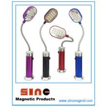 Linterna magnética coloreada para trabajar y enseñar