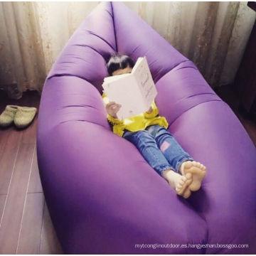 Saco de dormir inflable de la lugar frecuentada de Lamzac del aire de la tela de nylon