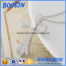 Collar con colgante de cruz de plata esterlina personalizado de fábrica para decoración