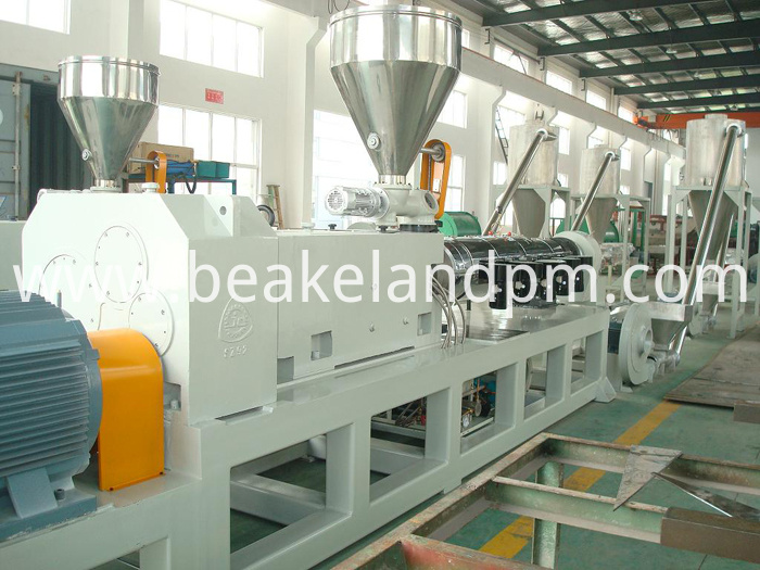 PVC granulating production machine