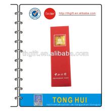 Lange Pole Lesezeichen mit rotem Geschenk-Box