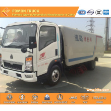HOWO 4X2 multifunctional airport sweeper truck