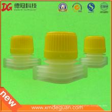 Пластиковый носик 15 мм с крышкой для моющего средства для стирки