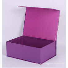 High quantity garment packaging box magnetic closure cardboard gift box