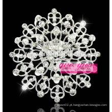 Elegante broche de flor de cristal branco claro