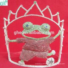 Beau mouvement de la couronne, couronne en tiare en plastique