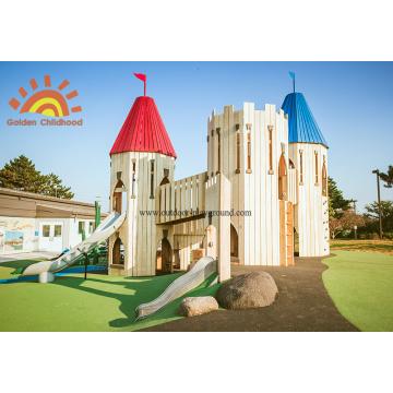 Tours de château en plein air pour enfants