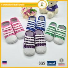 Zapatos suaves por encargo del deporte de los cabritos de la estrella de la porcelana de los fabricantes de la venta caliente