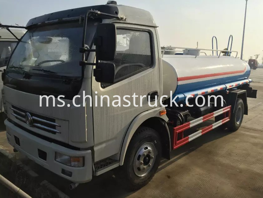 Dongfeng 5Ton water tank truck
