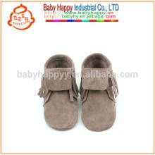 Новая весенняя мода мода обувь мягкой кожи единственная мокасины ребенка