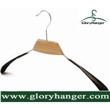 Cintre à extrémité élevé de vêtements en métal de PVC pour l'usage à la maison