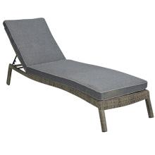Patio al aire libre muebles piscina Tumbona de jardín de mimbre rota