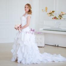 RSW754 Ruffle Pattern Skirt White Ukraine Dress Wedding With Sleeves