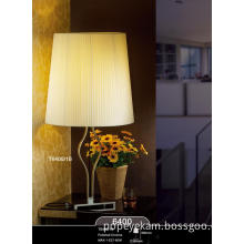 Hot Sale Modern Bedside Table Lamp Decoration (6400-1B)