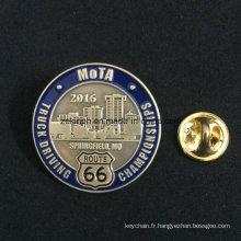 Badge personnalisé en émail avec papillon