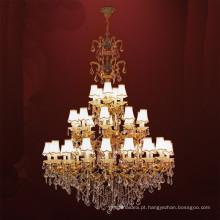 Candelabro de cristal dourado do diodo emissor de luz do luxo europeu clássico da arte do metal do ferro para a sala de visitas