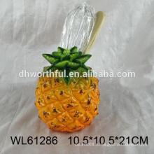 Держатель кухонной посуды в керамической форме с ананасом