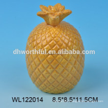 Beau ensemble de condiments en céramique à la conception d'ananas
