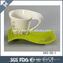 Nuevo diseño de venta caliente taza de té de porcelana y platillo al por mayor