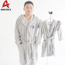 fábrica producir albornoz de lana de coral EMB con capucha para hombres niños