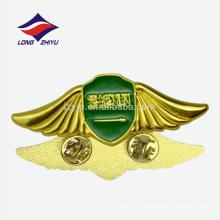 Bandera de recuerdo de doble mariposa de oro metal 2D Bandera de Arabia Saudita