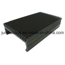 Aluminium-Kühlkörper mit Pulverbeschichtung
