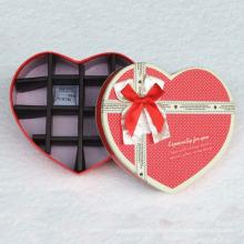 Caja de chocolate de forma de corazón con divisor de papel