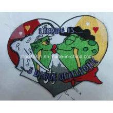 Emblema do bordado do presente da forma do coração
