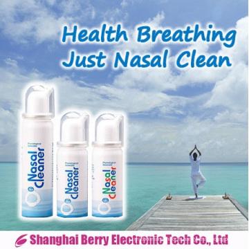 Le pulvérisateur de soins nasaux comprend de l'eau de mer physiologique