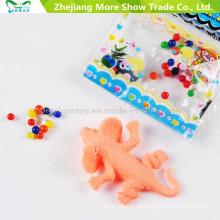 Sete cores solo de cristal com o crescimento de animais brinquedos na decoração da casa de água