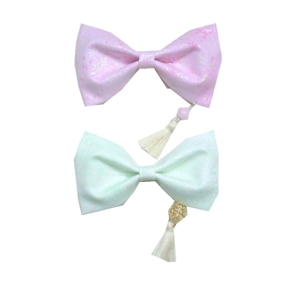 ribbon bow with little tassel