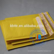 O costume branco amarelo imprimiu o auto envelope selado da bolha de kraft do ar do coxim