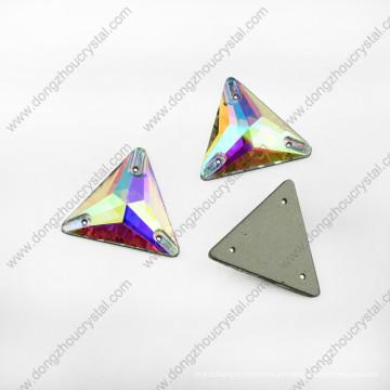 El triángulo trasero plano cose en diamantes de imitación para el vestido de boda