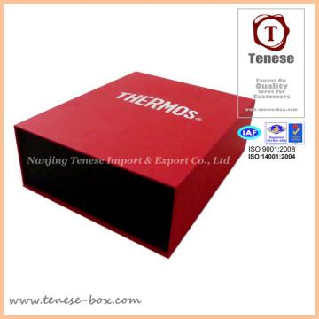 Boîte cadeau emballée à l'estampe à chaud personnalisée à la main