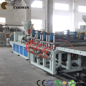 Línea de extrusión de perfil de espuma plástica de madera de PE / PP / PVC WPC