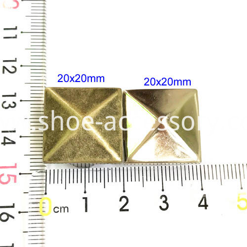 pyramid nailhead 20x20mm MBL-610&073