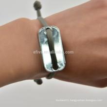 Paracord survival wrist ( survival bracelet)